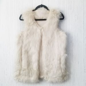 Xhilaration Solid Beige Faux Fur Vest Size Medium